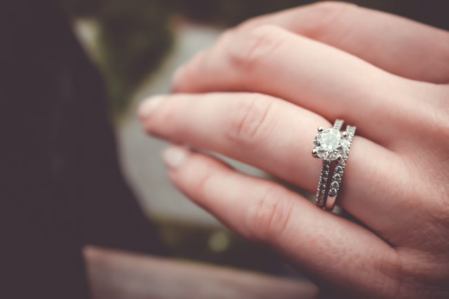 Ringen på den anden hånd